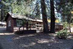 Grant Grove Village Redwood Cabins 2017 (1)