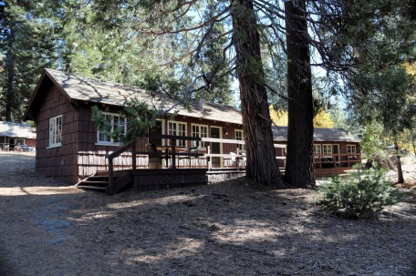 Grant Grove Village Redwood Cabins 2017 (1)